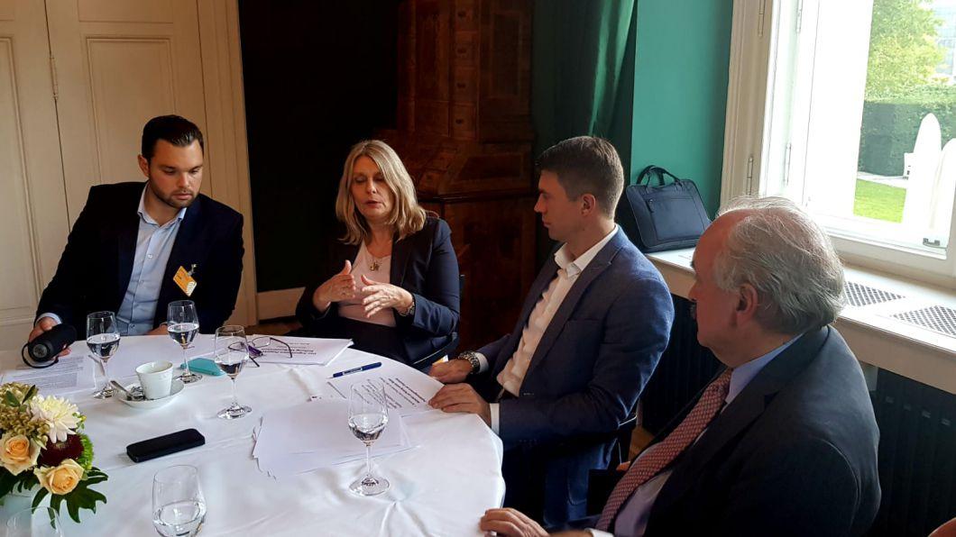 Dr. Marco Just Quiles, Abgeordnete Cornelia Schmidt-Liermann, MdB Stefan Müller und Botschafter Pedro Villagra Delgado